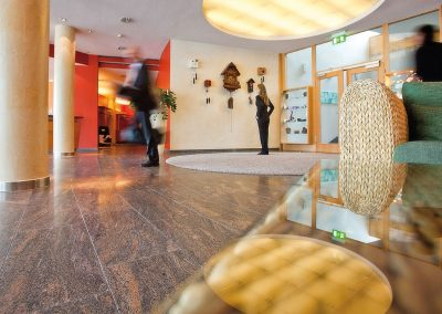 The lively lobby of the hotel SCHWARZWALD PANORAMA